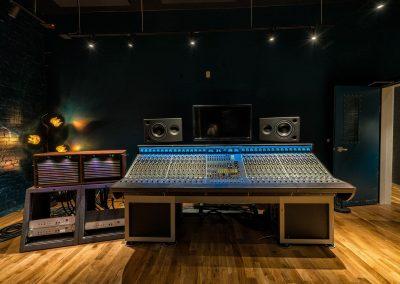 Sound Techniques ZR32 Console